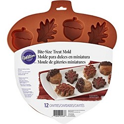 Wilton Silicone Treat Mold: Acorn & Leaf
